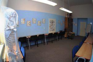 Odborná učebna anatomie a fyziologie s anatomickými modely a obrazy