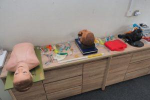 Odborná učebna urgentní medicíny s trenažéry a pomůckami k zajištění průchodnosti dýchacích cest