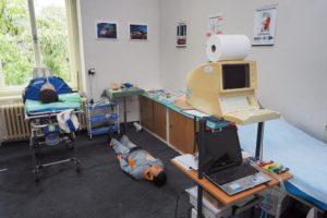 Odborná učebna urgentní medicíny s počítačovým EKG a ultrasonografem